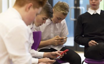 Teachers Losing 11 Days' Teaching Time a Year Due To Social Media and Smartphone Disruptions