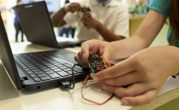 Micro:bit Educational Foundation and Nominet launch micro:bit classroom